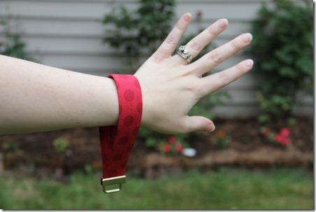 wrist strap 9