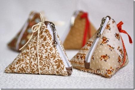 triangle-coin-purse