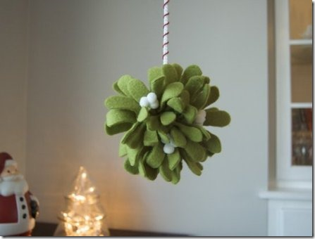 Mistletoe Kissing Ball - Apartment Therapy