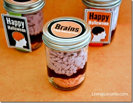 Brains in a Jar Cake from Living Locurto