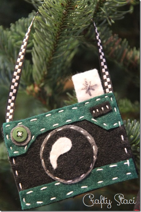 Felt Camera Ornament in Green - Crafty Staci