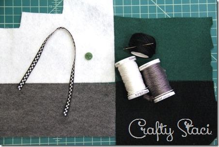 http://craftystaci.files.wordpress.com/2014/11/felt-camera-ornament-ingredients-crafty-staci_thumb.jpg?w=452&h=303