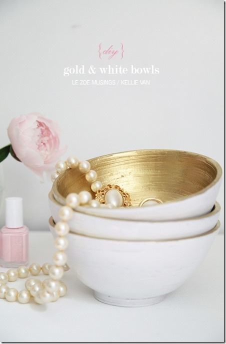 http://craftystaci.files.wordpress.com/2015/01/gold-and-white-bowls-by-le-zoe-musings.jpg?w=452&h=686