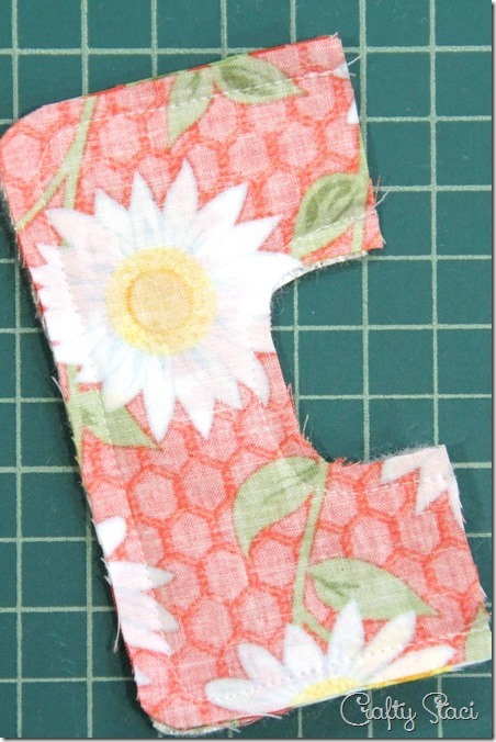 Sewing the handle - Crafty Staci