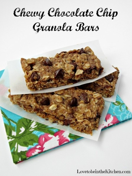 Chewy Chocolate Chip Granola Bars from Love to be in the Kitchen