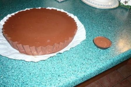 http://craftystaci.files.wordpress.com/2015/06/giant-reeses-peanut-butter-cup-from-twizzy-on-cut-out-and-keep.jpg?w=448&h=298