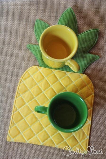 Pineapple Hot Pad with mugs