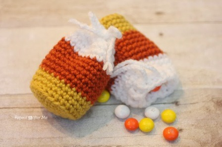 http://craftystaci.files.wordpress.com/2015/10/crochet-candy-corn-pouch-from-repeat-crafter-me.jpg?w=448&h=298