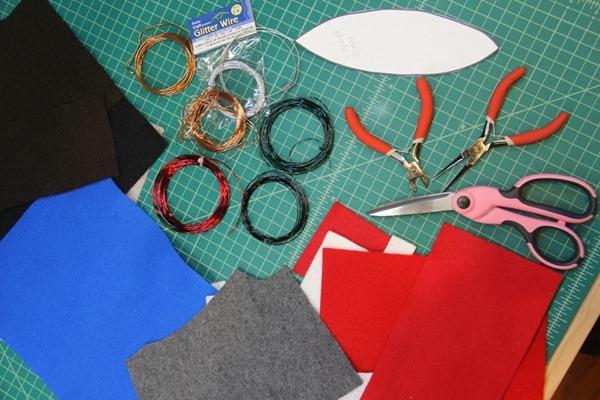 http://craftystaci.files.wordpress.com/2015/11/felt-feather-ornament-supplies_thumb.jpg?w=600&h=400
