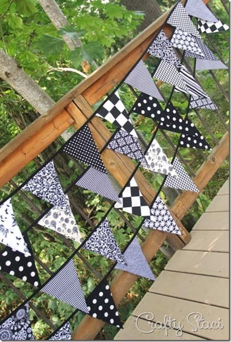 http://craftystaci.files.wordpress.com/2016/02/fabric-bunting-with-one-piece-triangles-by-crafty-staci.jpg?w=452&h=667