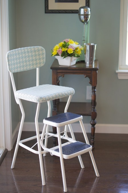 Vintage Step Stool from Paint Yourself a Smile