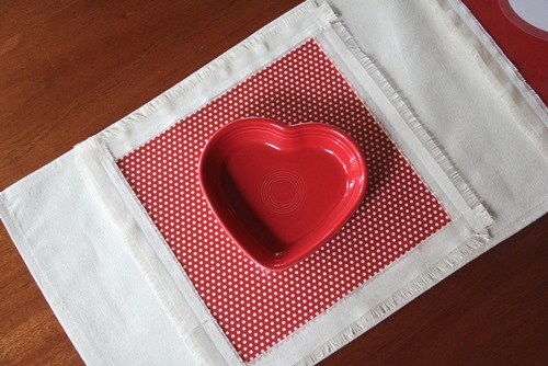 Table runner with heart dish