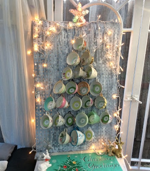 24 Cups of Tea Christmas Countdown Calendar from Sweater Surgery